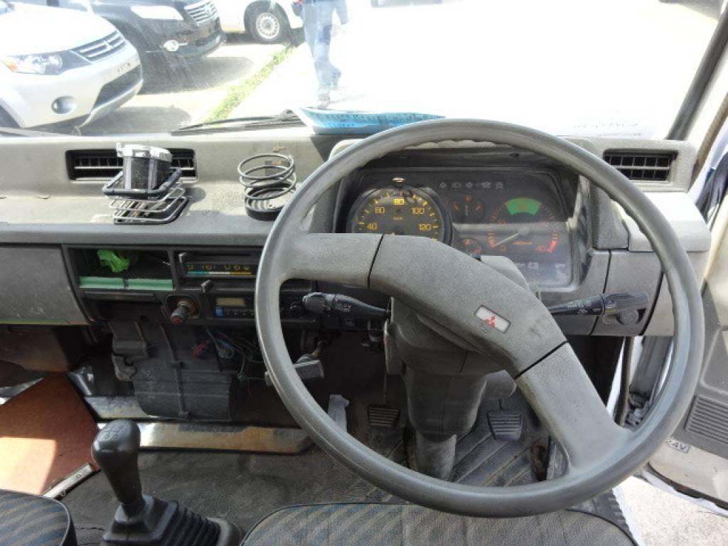 Used 1990 MT Mitsubishi Canter FE435E Image[8]