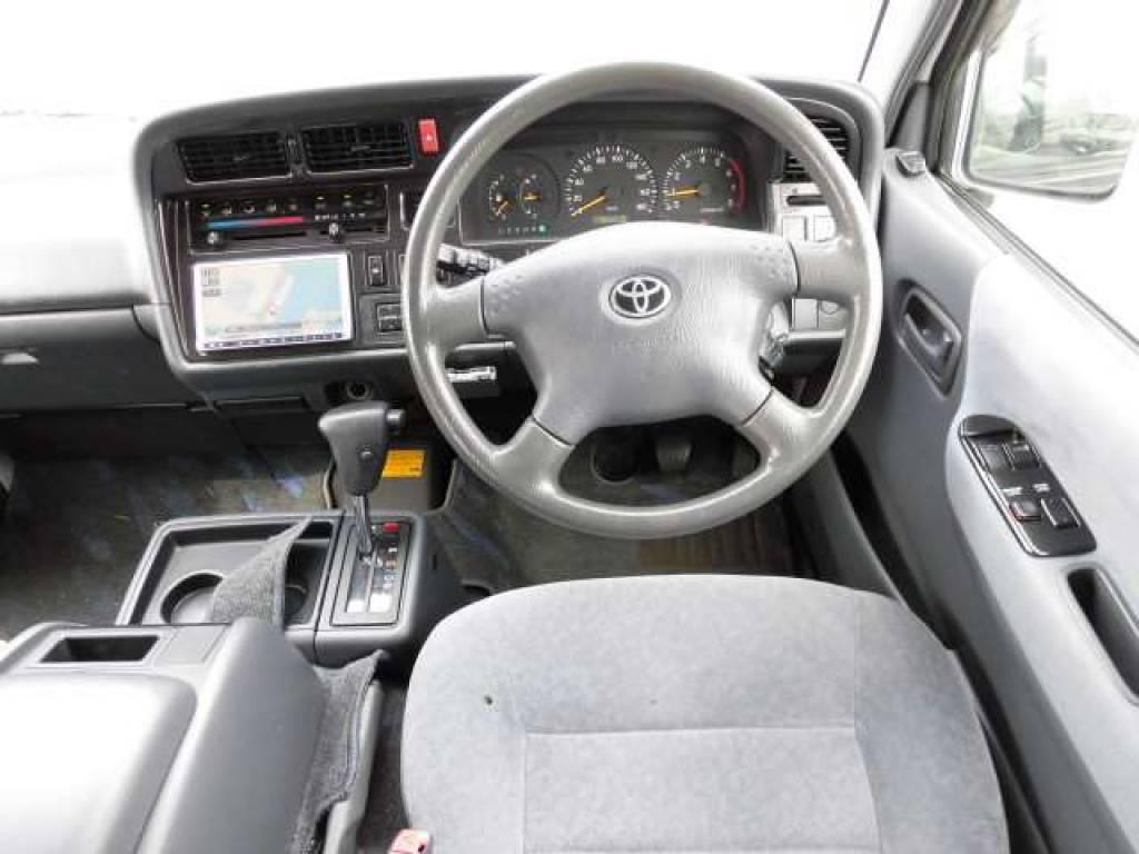 Used 2003 AT Toyota Hiace Van RZH112V Image[12]