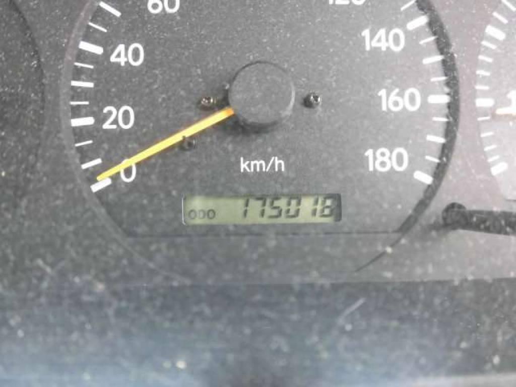 Used 2003 AT Toyota Hiace Van RZH112V Image[17]