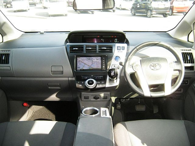 Used 2012 CVT Toyota Prius alpha DAA-ZVW41W Image[1]