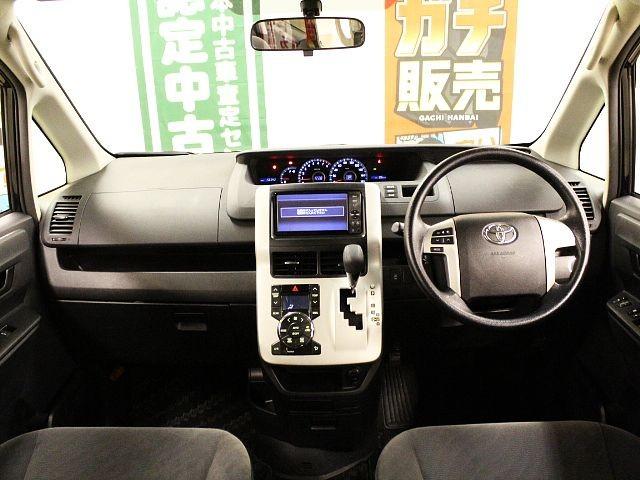 Used 2011 CVT Toyota Voxy DBA-ZRR70G Image[1]
