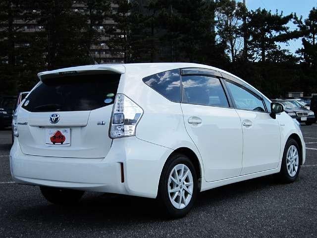 Used 2014 CVT Toyota Prius alpha DAA-ZVW41W Image[2]