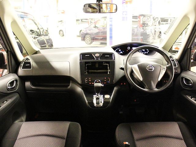 Used 2013 CVT Nissan Serena DAA-HFC26 Image[1]