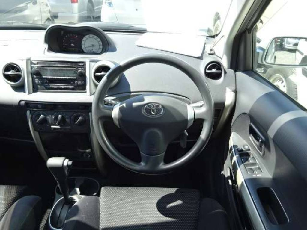 Used 2004 AT Toyota IST NCP65 Image[12]