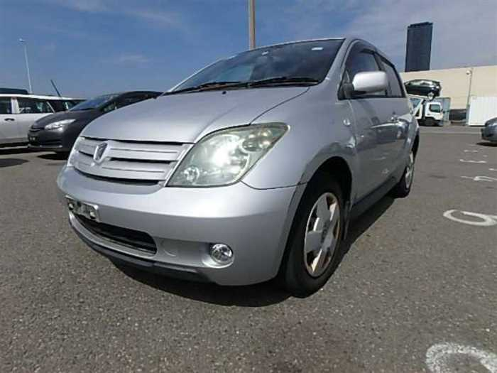 Used 2004 AT Toyota IST NCP60 Image[1]