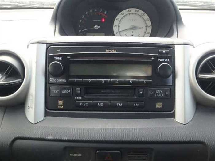 Used 2004 AT Toyota IST NCP60 Image[14]