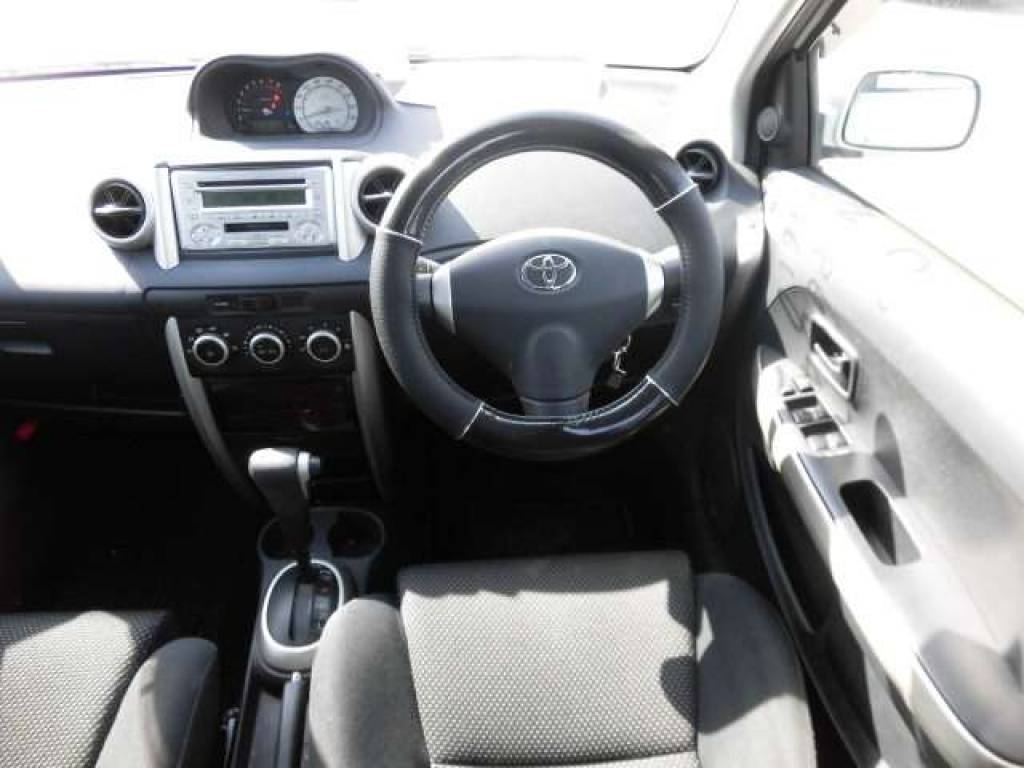 Used 2004 AT Toyota IST NCP60 Image[11]